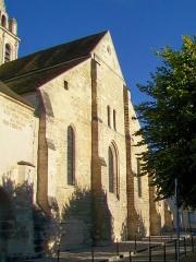 Eglise Saint-Christophe - Français:   La façade orientale.