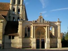 Eglise Saint-Christophe - Français:   Le portail Renaissance nord.