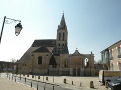 Eglise Saint-Christophe - Français:   Église Saint-Christophe de Cergy (Val-d\'Oise, France)