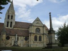 Eglise Saint-Aubin - English: Church ennery