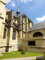 Eglise Saint-Martin - Français:   Bas-côté et arc-boutants au sud.