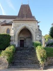 Eglise Notre-Dame -  Porche devant la première travée du bas-côté nord.