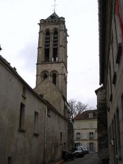 Eglise Saint-Justin et tour Saint-Rieul qui lui sert de clocher - English: 12th century Saint-Rieul Tower in Louvres, Val d'Oise, France.