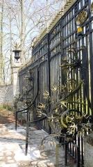 Château - English: Gate of chateau de Maudétour, Maudétour en Vexin, Val d'Oise, France