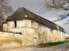 Domaine du château - Les écuries du château, rue Neuve.