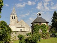 Eglise Sainte-Geneviève -  Façade occidentale et colombier.