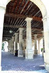 Mairie et marché couvert -  Hôtel de ville, la Roche-Guyon, Val-d'Oise  (France) -