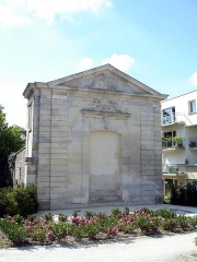 Château des Caramans - Français:   Pignon est du château à Roissy-en-France (Val-d\'Oise), France