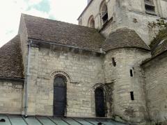 Eglise Saint-Clair - Français:   Chœur, côté nord: les fenêtres d\'origine subsistent ici.