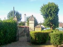Ermitage de Saint-Clair - Français:   L\'Ermitage: l\'un des portails de l\'enclos extérieur.