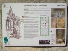 Eglise - Français:   Plaque explicative sur l\'histoire de l\'église.