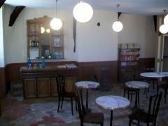 Ancien château, actuelle mairie -  Reconstitution d'un café-épicerie.