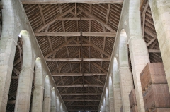 Domaine de la grange cistercienne de Vollerand - English: Roof of the barn of Vaulerent, Villeron, Val-d'Oise, France. Probably built at the second half of the 15th cent.