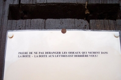 Château - English: That's not the right letter box of the castle!