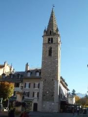 Tour de l'horloge dite Tour Cardinalis - Français:   Tour de l\'horloge; clocher de l\'ancien couvent des dominicains; Barcelonnette; Alpes-de-Haute-Provence, France