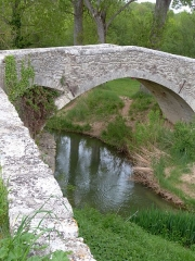 Pont romain sur le ravin de l'Encreme - Deutsch:   römische Brücke bei Céreste