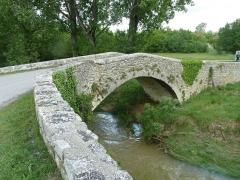 Pont romain sur le ravin de l'Encreme - Français:   La rivière Encrême à Cereste (04) France
