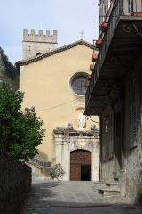Ancienne cathédrale Notre-Dame de l'Assomption, actuellement église paroissiale -  La place de l'église