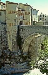 Fortifications et citadelle -  Entrevaux: Pont de la Porte Royale