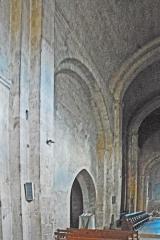 Prieuré - Deutsch: Prieuré de Ganagobie,Schiff, Nordwand im 3. Joch