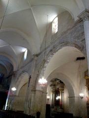 Eglise Notre-Dame-de-Romigier -  Manosque Eglise Notre-Dame-De-Romigier Nef 12072015