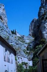 Chapelle Notre-Dame de Beauvoir -  Die Chapelle Notre-Dame de Beauvoir oberhalb von   Moustiers-Sainte-Marie (Departement Alpes-de-Haute-Provence/Provence-Alpes-Côte d'Azur).