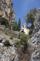 Chapelle Notre-Dame de Beauvoir -  Escalier vers l'église, Moustiers-Sainte-Marie, Alpes-de-Haute-Provence, France