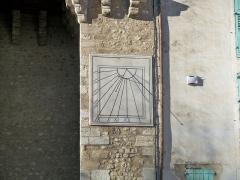 Portes (deux anciennes) : Porte d'Ayguières et Porte Saint-Sébastien - English:   Sundial in Riez (Alpes de Haute Provence, France)
