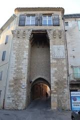 Portes (deux anciennes) : Porte d'Ayguières et Porte Saint-Sébastien - Français:   Porte d\'Ayguières, Riez.