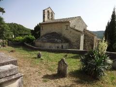 Eglise -  Église Saint-Martin de Saint-Martin-les-Eaux (Alpes-de-Haute-Provence), chevet et cimetière