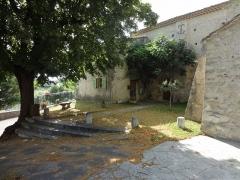 Eglise -  Église Saint-Martin de Saint-Martin-les-Eaux (Alpes-de-Haute-Provence), place