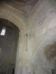 Chapelle avec son clocher -  Colonne à chapiteau corinthien et trompe de la coupole de l'église Saint-Michel à Saint-Michel-de-l'Observatoire (04).