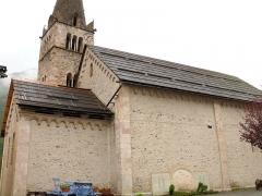 Eglise - Français:   Saint-Paul-sur-Ubaye - Eglise Saint-Pierre-et-Saint-Paul - Façade nord avec le monument aux morts