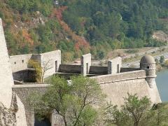Citadelle - Français:   Citadelle de Sisteron - fortification sud