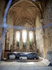 Eglise des Dominicains de la Baume - Français:   Vue de l\'intérieur de l\'église désaffectée de l\'ancienne abbaye Saint Dominique de La Baume. Sisteron.