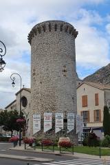 Enceinte (restes de l'ancienne) - Français:   Enceinte de Sisteron.