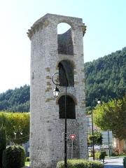 Enceinte (restes de l'ancienne) - Français:   Sisteron - Enceinte - Tour de la Médisance