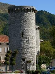 Enceinte (restes de l'ancienne) - Français:   Sisteron - Enceinte - Tour de la Médisance, tour Notre-Dame et tour Sainte-Marie