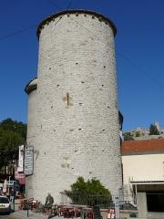 Enceinte (restes de l'ancienne) - Français:   Sisteron - Enceinte - Tour des Gens d\'Armes