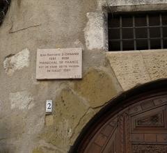 Maison - Français:   Plaque sur la maison natale de Jean Baptiste d\'Ornano à Sisteron