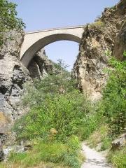Pont d'Asfeld sur la Durance - Italiano: La cittadina di Briançon, Francia