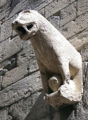 Eglise Notre-Dame (ancienne cathédrale) - Cathédrale Notre-Dame d'Embrun, Hautes-alpes, France. Lion de style roman