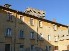 Ancien archevêché d'Embrun - Français:   Embrun - Palais archiépiscopal, façade est, et tour Brune