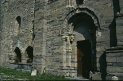 Eglise - Deutsch: romanische Kirche in Lagrande