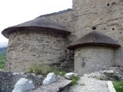 Chapelle des Gicons dite Mère Eglise -  La Mère Eglise de Saint-Disdier en Dévoluy, détail de l'abside et son absidiole