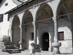 Eglise paroissiale Saint-Marcellin - Français:   Porche de l\'église Saint Marcellin à La Salle-les-Alpes (Hautes-Alpes, France)