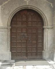Eglise paroissiale Saint-Marcellin - Français:   porte plein cintre romane (Saint Marcellin la Salle les Alpes)  Utilisateur:Melendil