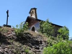 Chapelle Saint-Claude - Français:   Hameau de La Bâtie des Vigneaux - Chapelle Saint-Claude sur sa butte