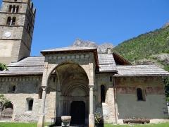 Eglise - Français:   Les Vigneaux - Église Saint-Laurent - Ensemble de la façade sud