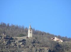 Eglise paroissiale Saint-Pierre -  L'église de Puy-Saint-Pierre vue de Briançon.
